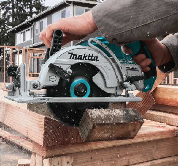 Makita rear handle circular saw xsr01 lxt cordless the saw provides 2 916 in of cutting capacity when set to 90 degrees deep enough to cut through 3x lumber on a single pass makita says 3x lumber is keyboard keysfo Image collections