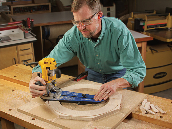 How To Cut Circles With A Router And Jig Woodworking