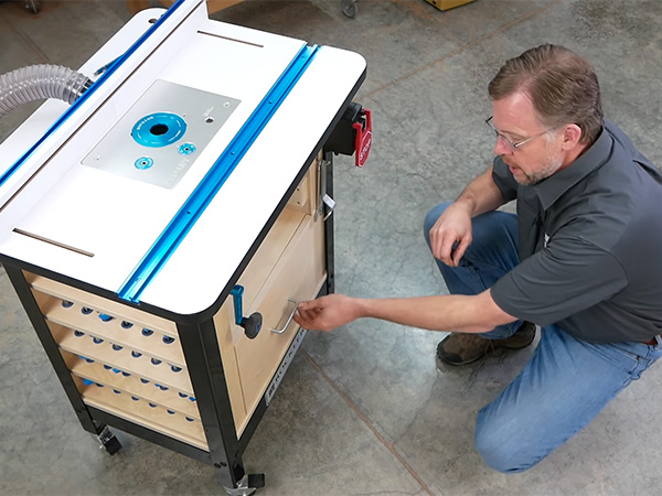 VIDEO: Build a Router Table Organization Cabinet