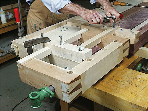 What's a Tail Vise For on a Workbench?