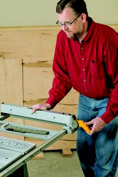 """Rockwell's RK7241S has extra-long rails that provide 30"""" of ripping capacity — helpful for splitting full-size sheet goods."""